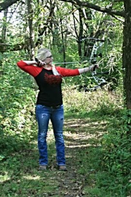 Laura Wilson - Bowhunting Girl